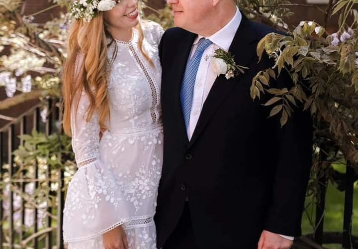 Mr Boris Johnson, and her new wife Carrie. This is third marriage of Burtish PM and the PM and his wife possed for picture for public.